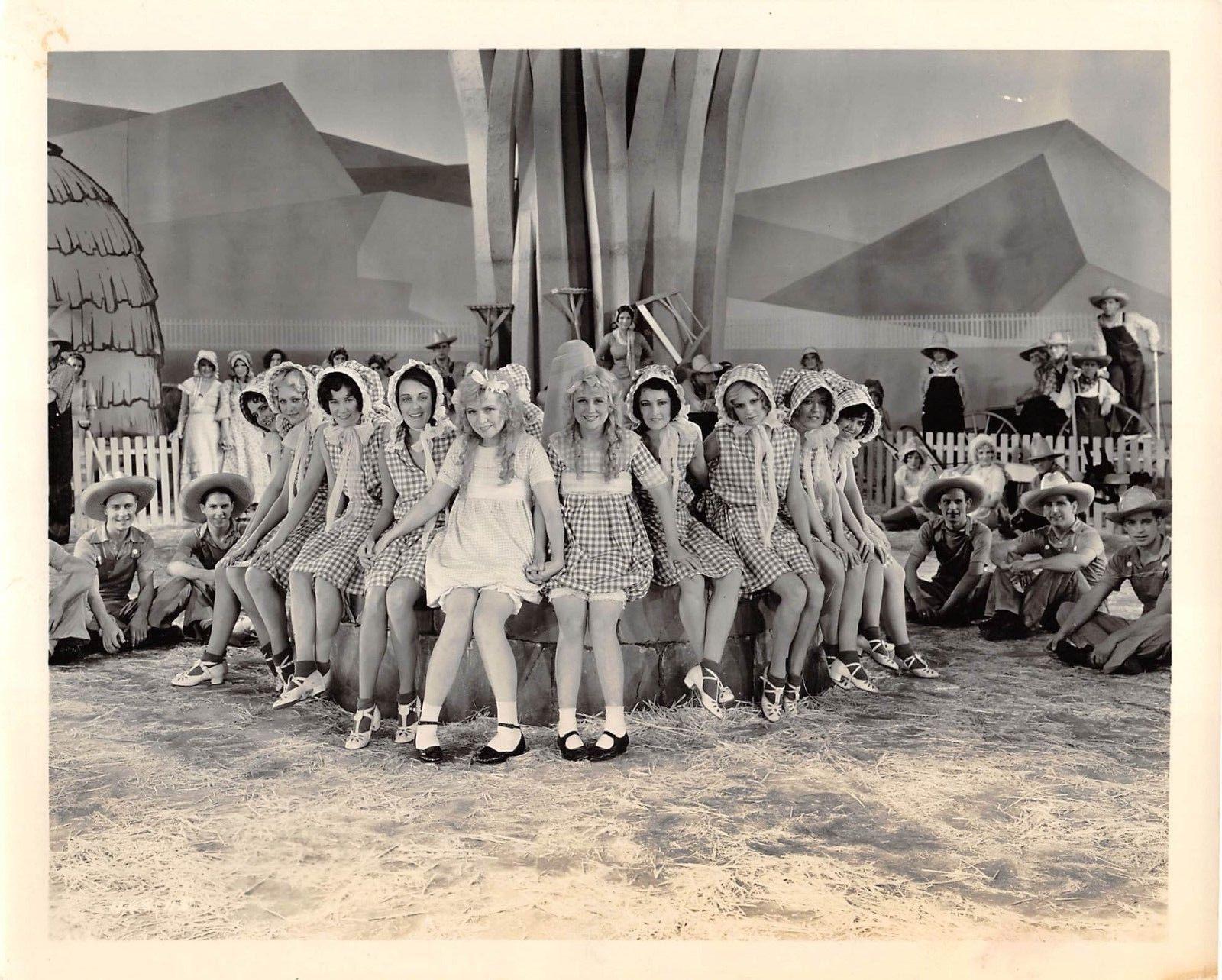 Rosetta Duncan, Vivian Duncan, and Ann Dvorak in It's a Great Life (1929)