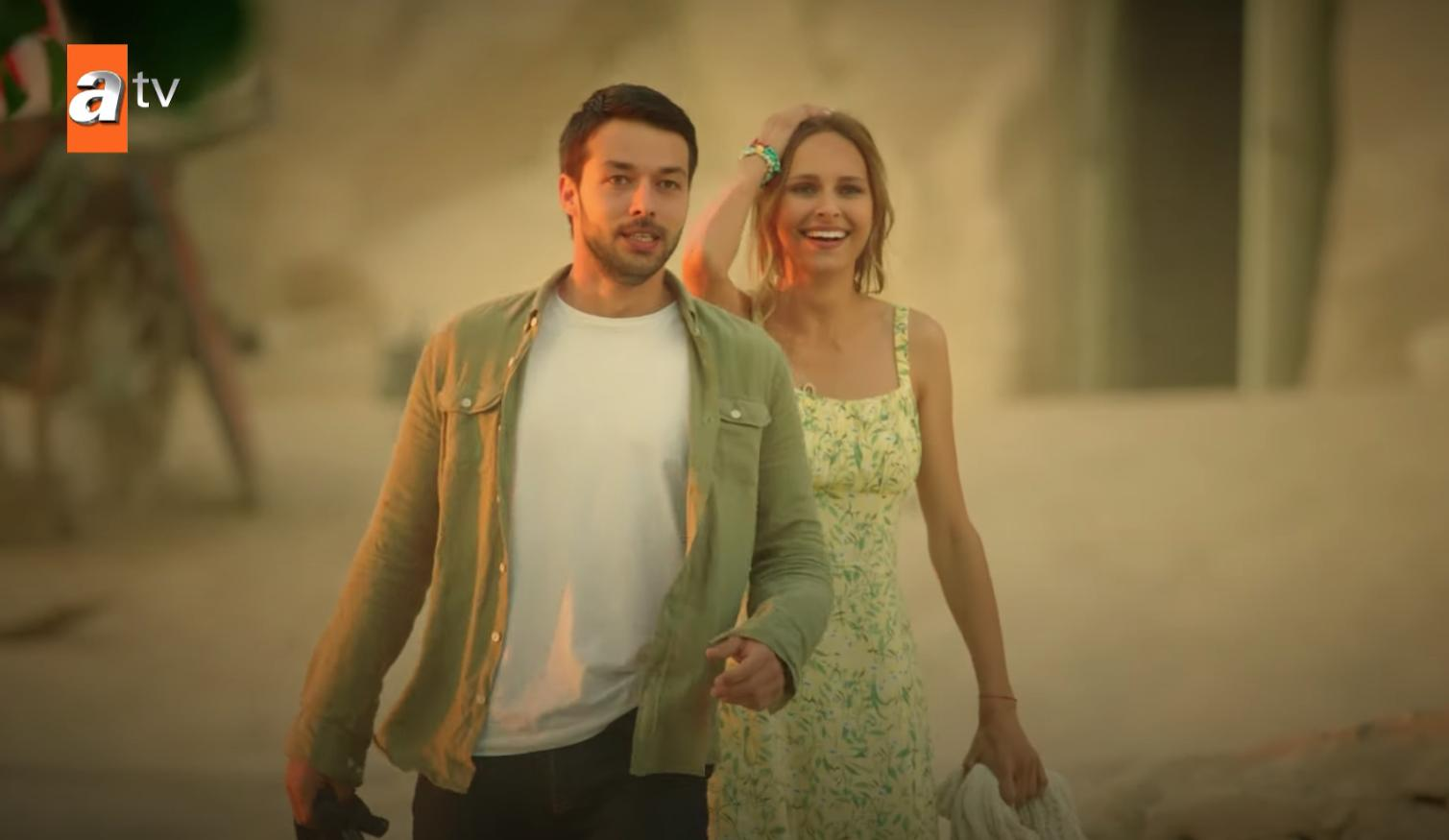 Hilmi Cem Intepe and Jessica May in Maria ile Mustafa (2020)