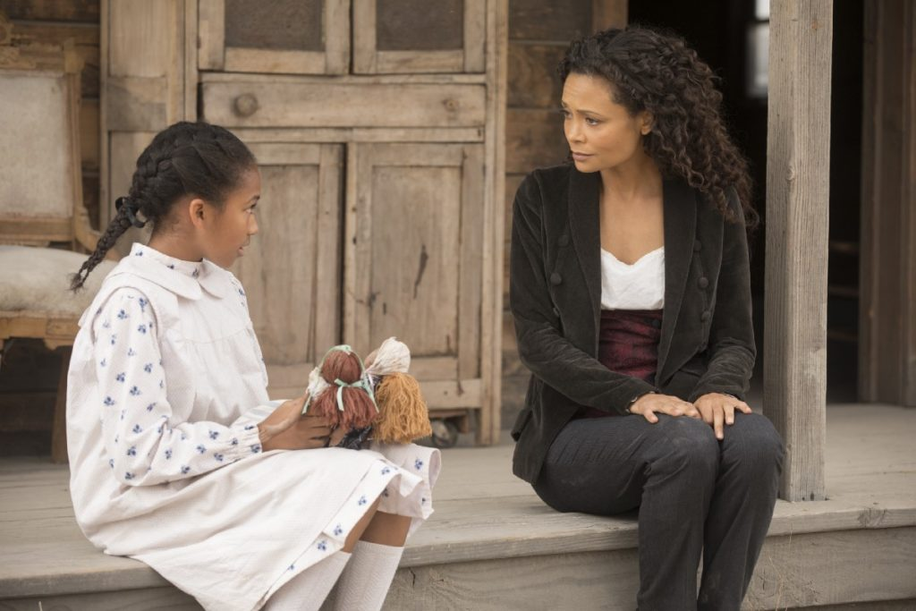 Thandie Newton and Jasmyn Rae in Westworld (2016)