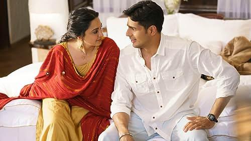 Sidharth Malhotra & Kiara Advani Answer 10 Questions | IMDb Exclusive