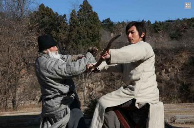Chenghui Yu and Yang Song in Jian shi liu bai yuan (2012)