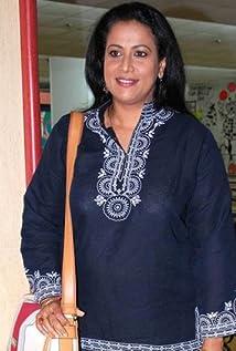 Mona Ambegaonkar Picture