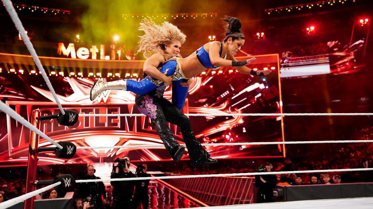 Beth Phoenix and Pamela Martinez in WrestleMania 35 (2019)