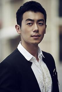 Yawen Zhu Picture