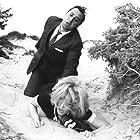 Alberto Sordi and Monica Vitti in Amore mio aiutami (1969)