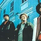 Diego Abatantuono, Valentina Cervi, Flavio Insinna, and Silvio Orlando in Figli di Annibale (1998)