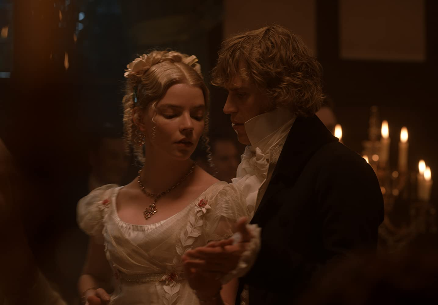 Johnny Flynn and Anya Taylor-Joy in Emma. (2020)