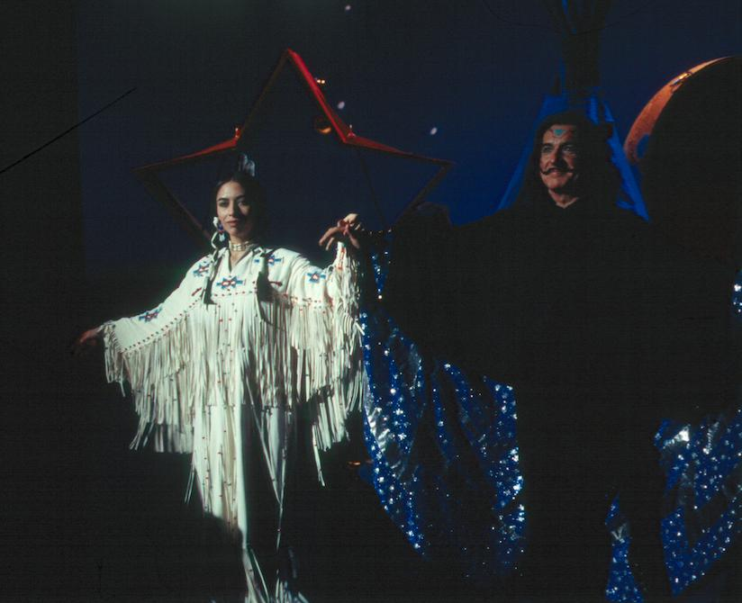 Ben Kingsley and Carmen Moore in Spooky House (2002)