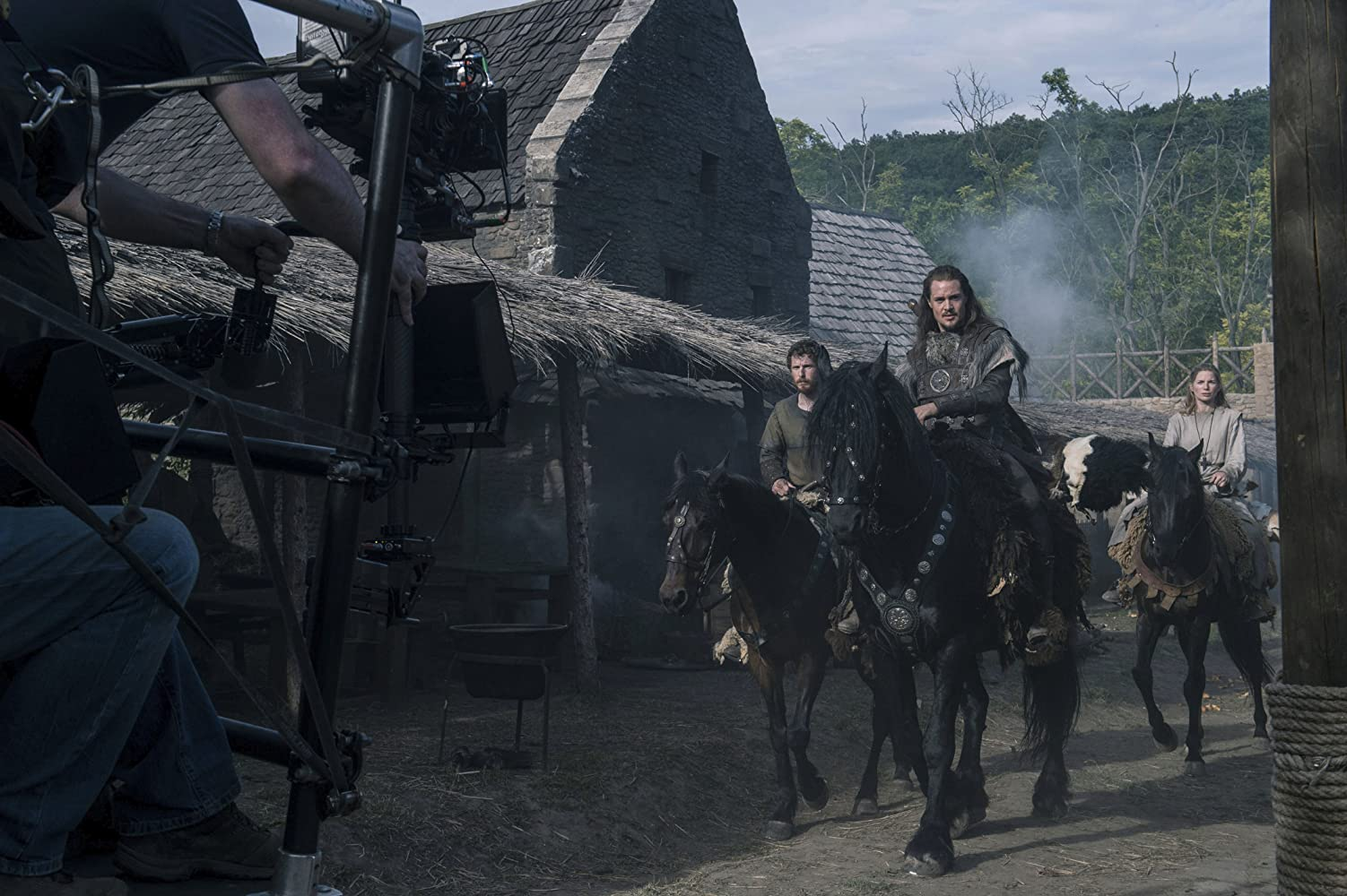 The Last Kingdom : Season 1-3 Complete BluRay 480p & 720p | GDrive | MEGA | Single Episodes | BSub
