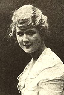 Mary MacLaren Picture