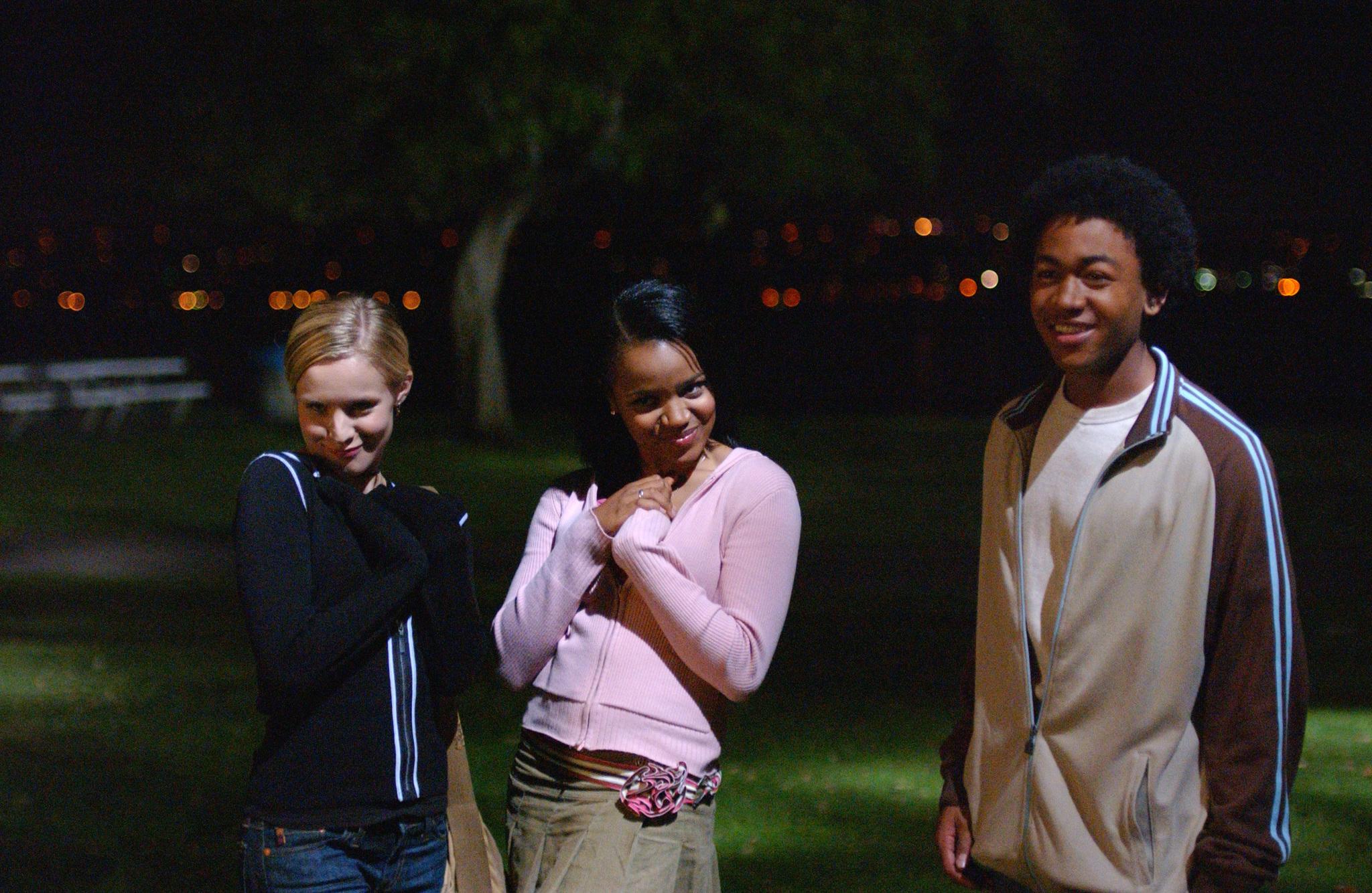 Kristen Bell, Kyla Pratt, and Percy Daggs III in Veronica Mars (2004)