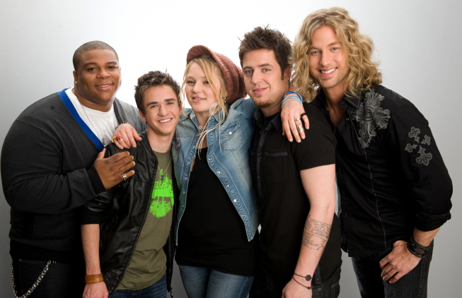 Lee DeWyze, Aaron Kelly, Casey James, Crystal Bowersox, and Michael Lynche in Top Five Performance (2010)