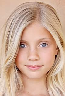 Chloe Ewing Picture