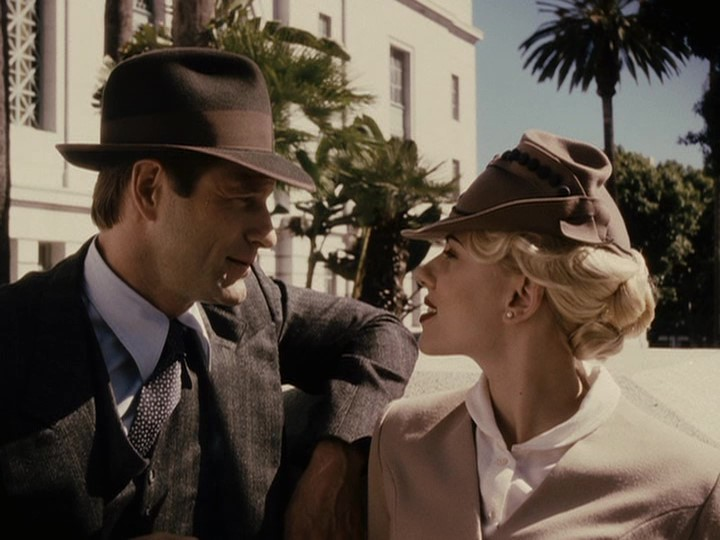 Aaron Eckhart and Scarlett Johansson in The Black Dahlia (2006)