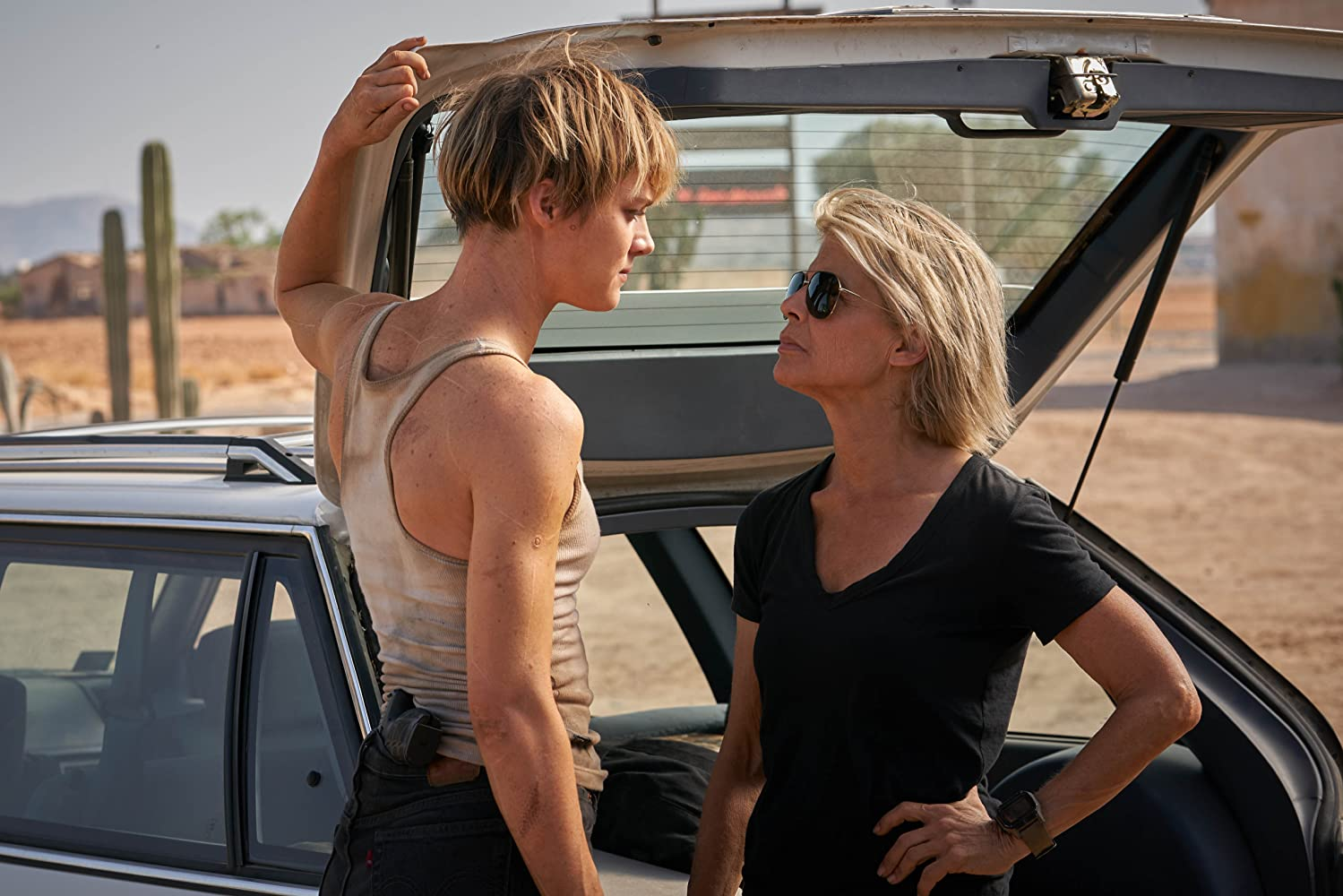 Linda Hamilton and Mackenzie Davis in Terminator: Dark Fate (2019)