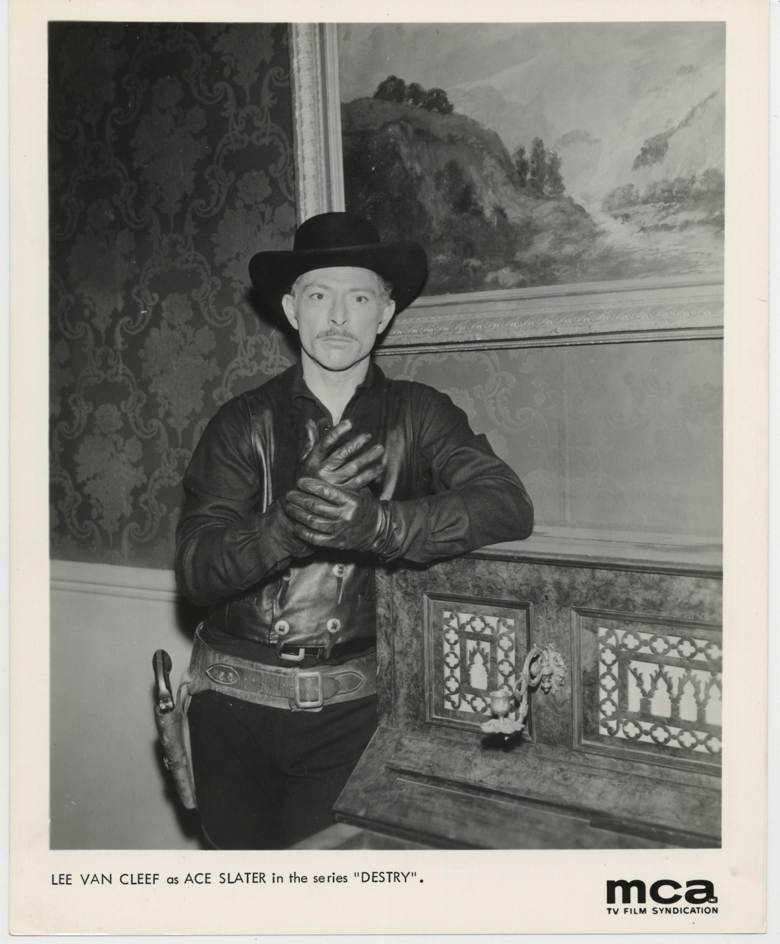 Lee Van Cleef in Destry (1964)