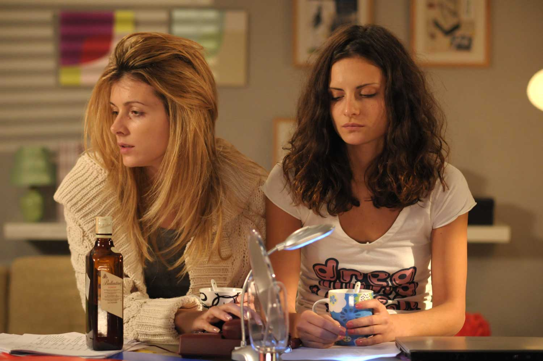 Sonja Kolacaric and Bojana Stefanovic in Ono kao ljubav (2009)