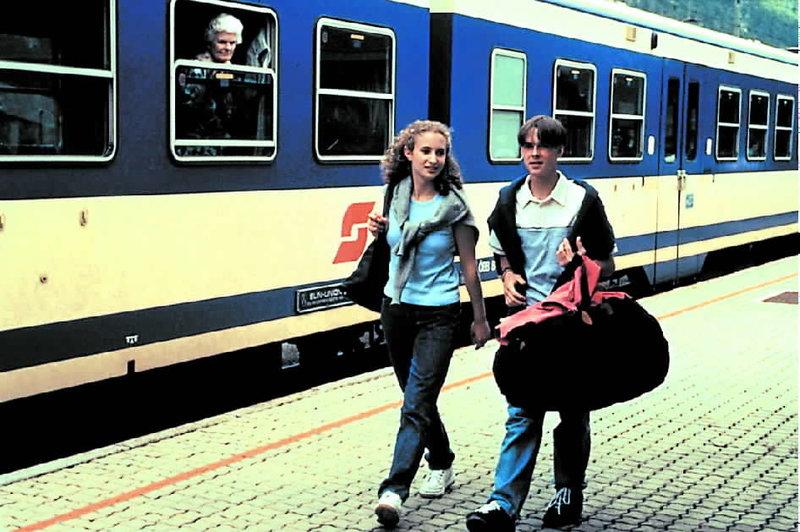 Manuel Guggenberger and Alexandra Schiffer in Der Bergdoktor (1992)