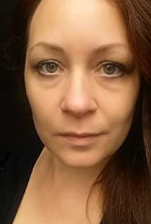 Alison Winter Picture