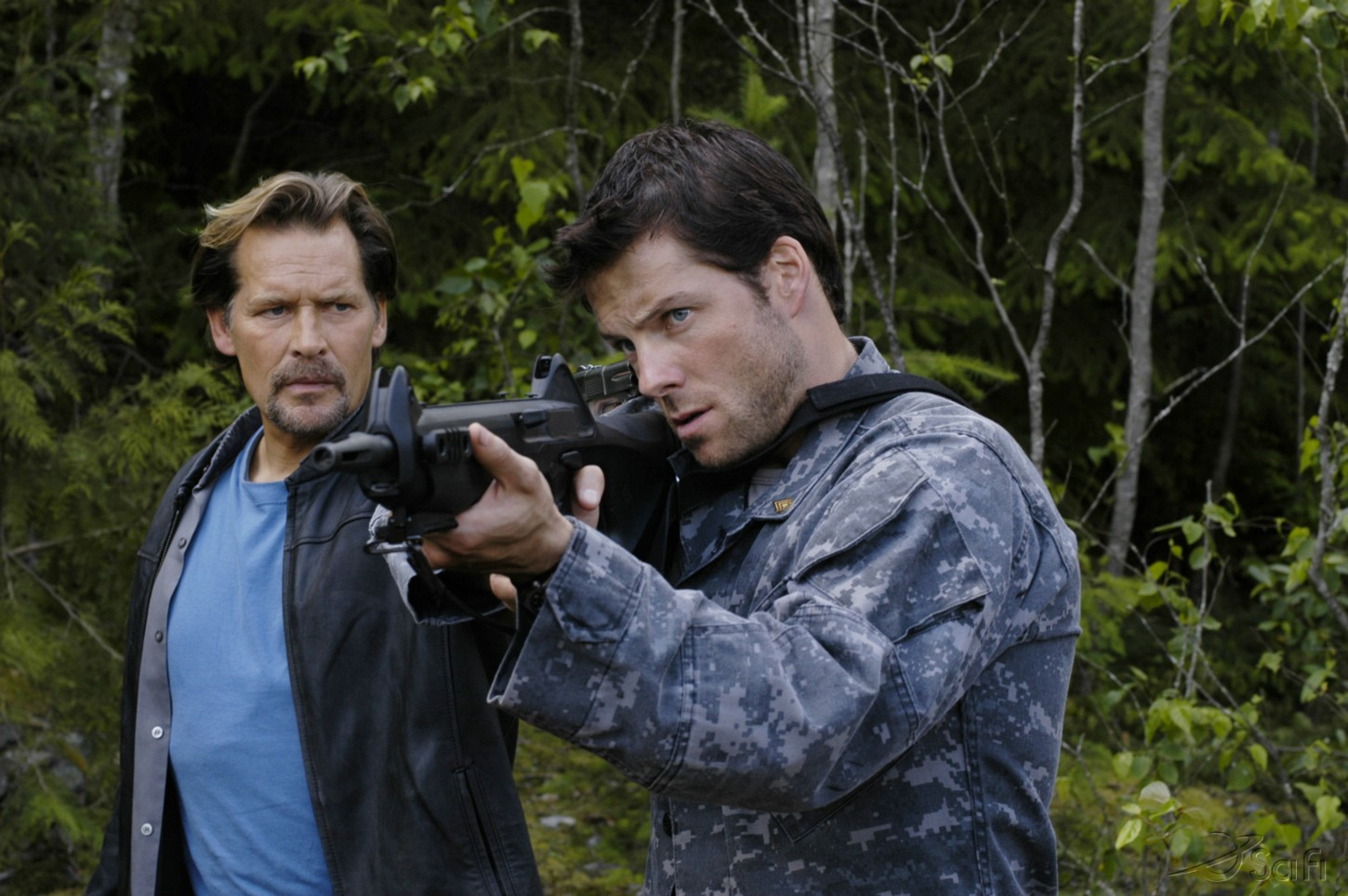 James Remar and Jamie Bamber in Battlestar Galactica (2004)