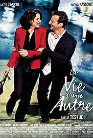 Juliette Binoche and Mathieu Kassovitz in La vie d'une autre (2012)
