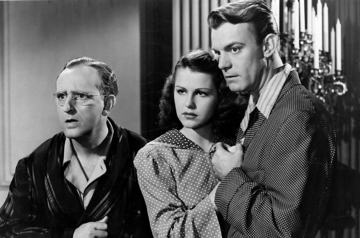 Kay Kyser, Dennis O'Keefe, and Helen Parrish in You'll Find Out (1940)