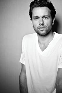 Julian Ovenden Picture