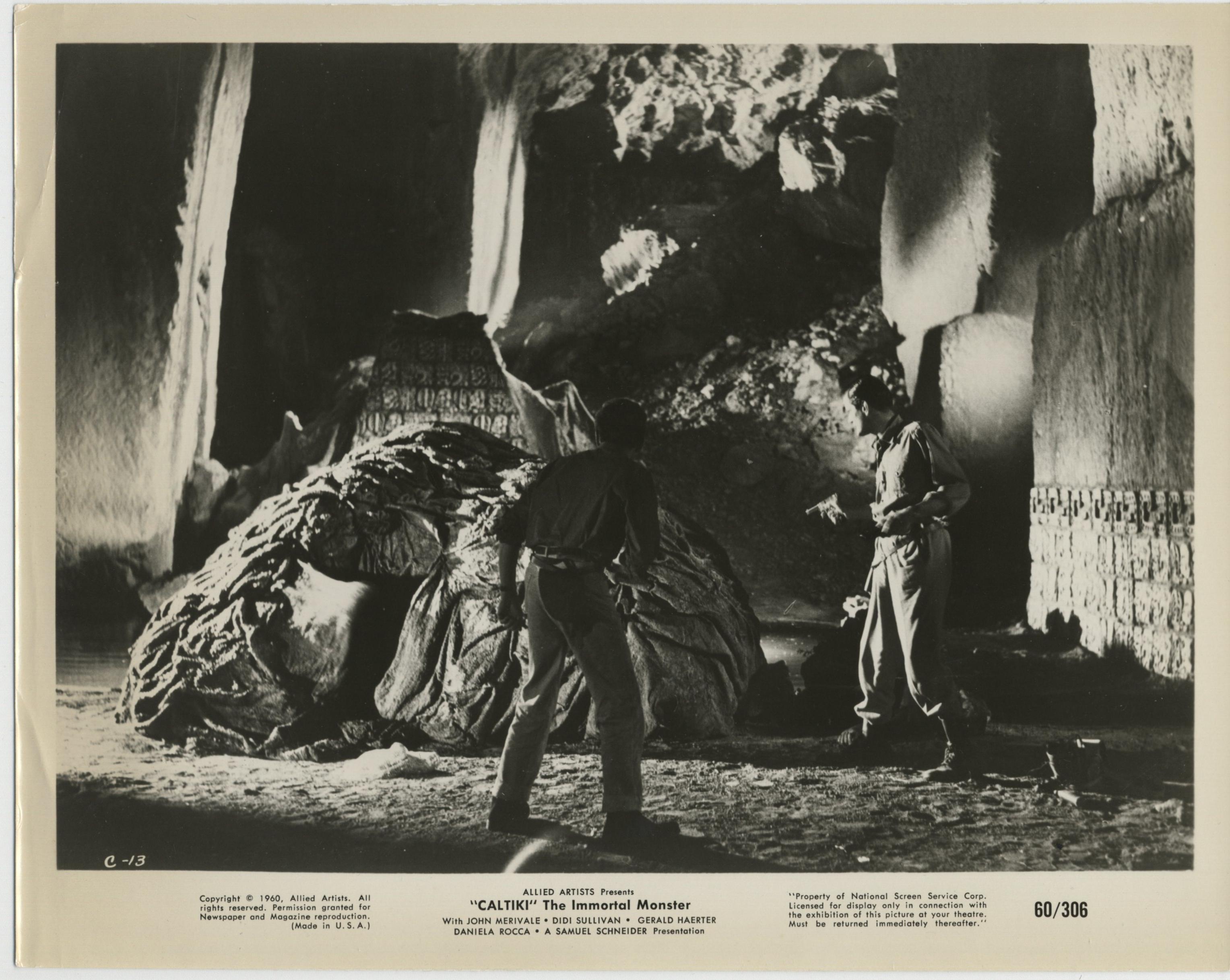 Gérard Herter and John Merivale in Caltiki il mostro immortale (1959)