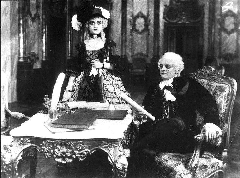 Pola Negri and Reinhold Schünzel in Madame DuBarry (1919)