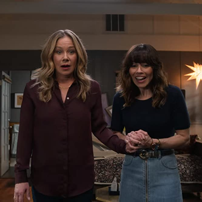 Christina Applegate and Linda Cardellini in Dead to Me: Where Do We Go From Here (2020)