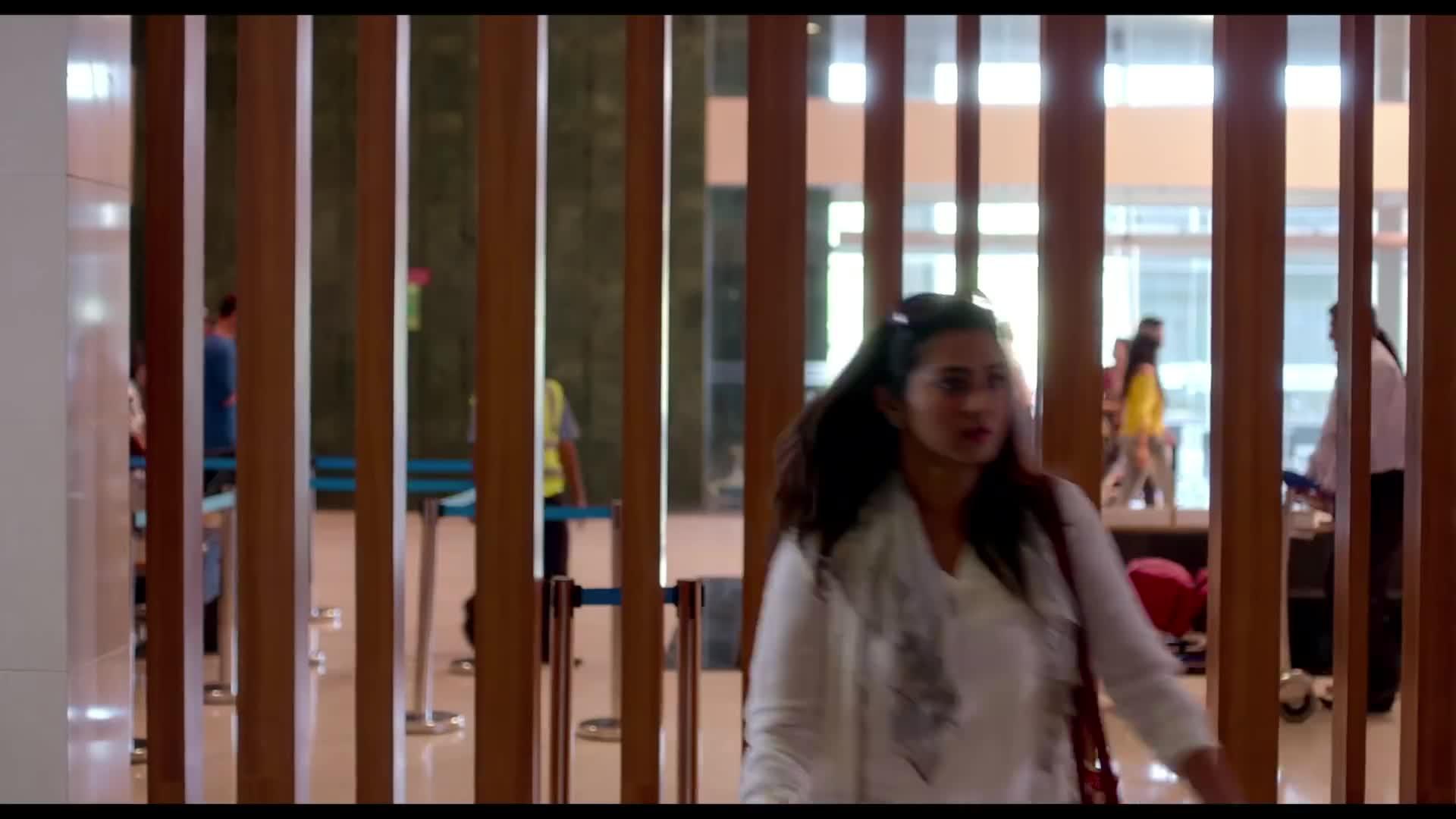 Qarib Qarib Singlle (2017) Trailer