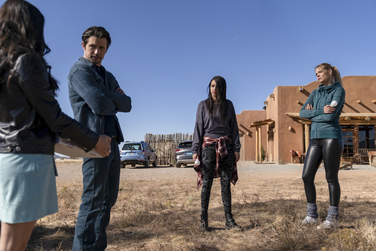 Nathan Parsons, Amber Midthunder, Jeanine Mason, and Lily Cowles in Como La Flor (2020)