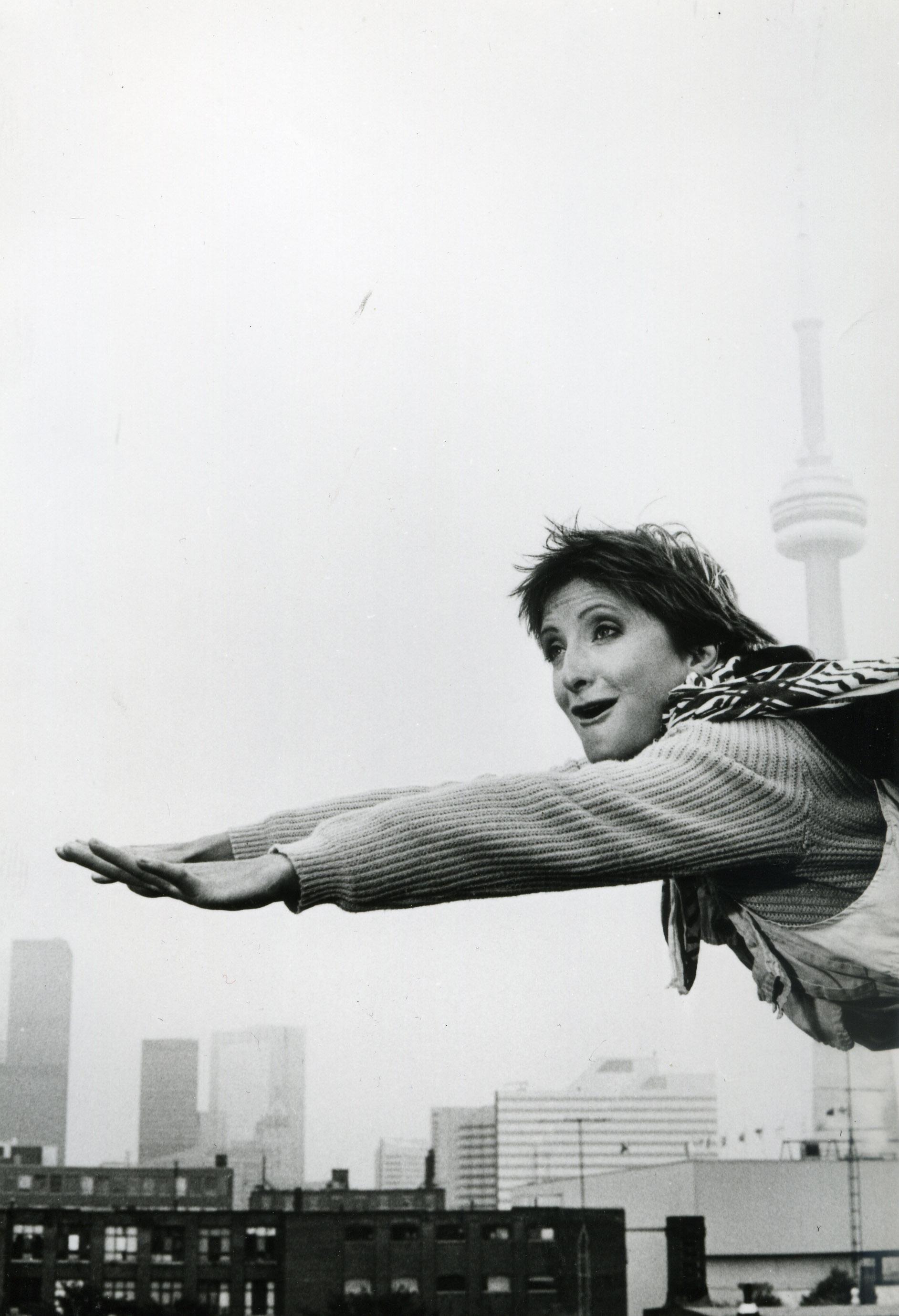Sheila McCarthy in I've Heard the Mermaids Singing (1987)