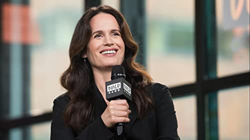 "BUILD: Elizabeth Reaser on her Character in ""The Haunting Of Hill House"""