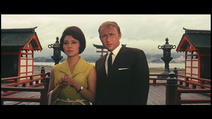 Nick Adams and Kumi Mizuno in Furankenshutain tai chitei kaijû Baragon (1965)