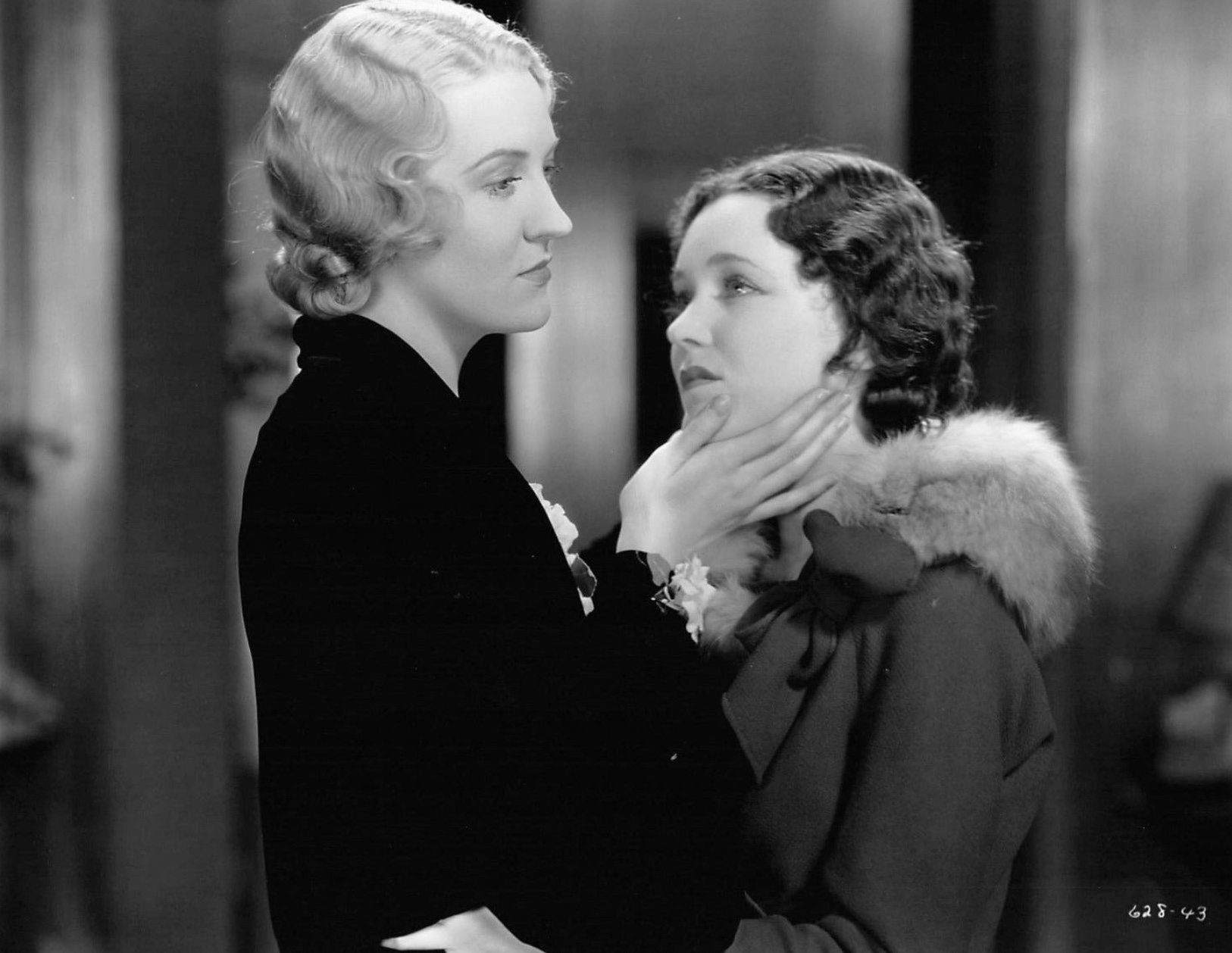 Maureen O'Sullivan and Verree Teasdale in Skyscraper Souls (1932)