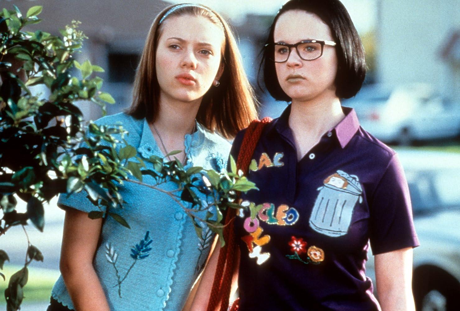 Thora Birch and Scarlett Johansson in Ghost World (2001)