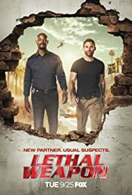 Damon Wayans and Seann William Scott in Lethal Weapon (2016)