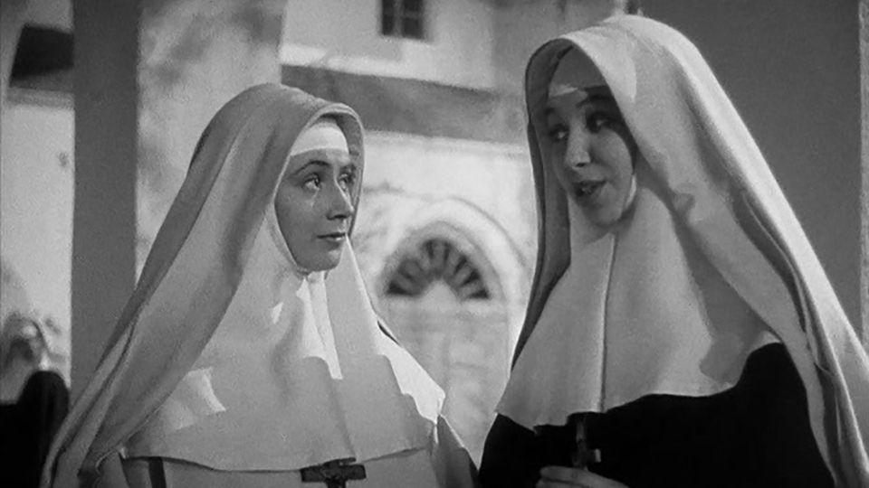 Renée Faure and Jany Holt in Les anges du péché (1943)