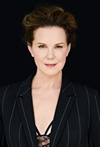 Primary photo for Elizabeth Perkins