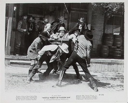 Bud Abbott, Edmund Cobb, Lou Costello, Jack Curtis, Ethan Laidlaw, and Dewey Robinson in The Wistful Widow of Wagon Gap (1947)
