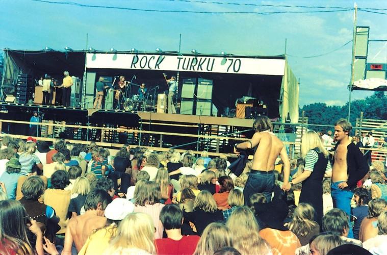 Ruisrock - 40 vuotta rockia ja rakkautta (2011)