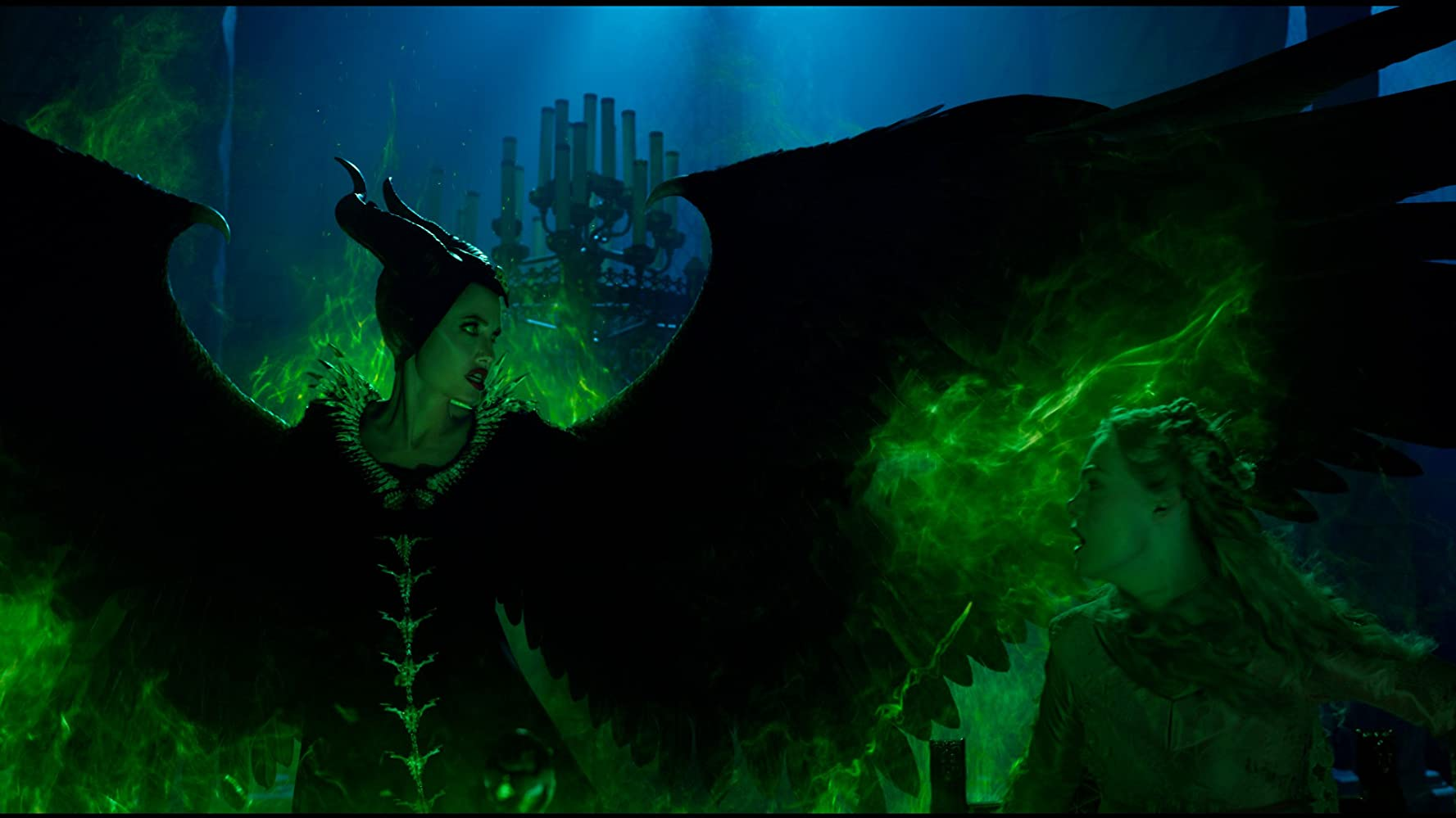 Angelina Jolie and Elle Fanning in Maleficent: Mistress of Evil (2019)