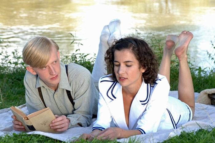 Ioana Iacob and David Zimmerschied in Der geköpfte Hahn (2007)