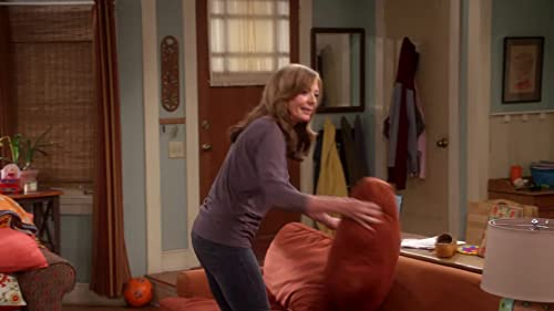 Mom: Season 2 Epk