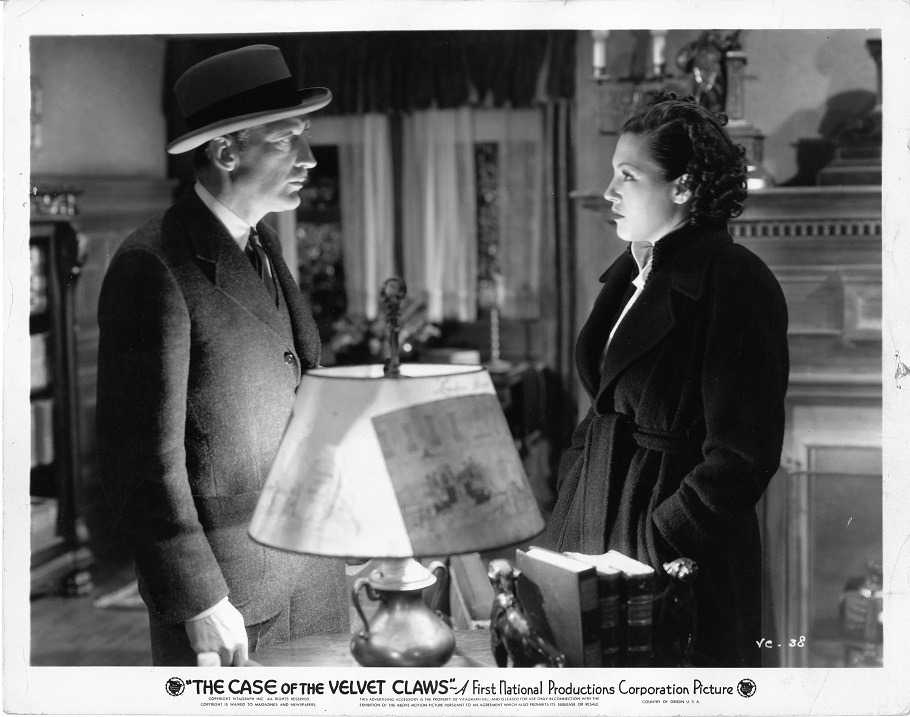 Wini Shaw and Warren William in The Case of the Velvet Claws (1936)