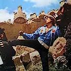 Cüneyt Arkin and Füsun Uçar in Dünyayi Kurtaran Adam (1982)
