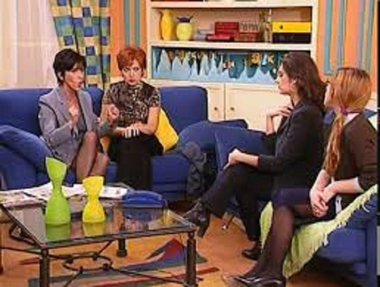 Eleni Philippa, Eleni Randou, Kalliroi Miriagou, and Maria Lekaki in Konstantinou kai Elenis (1998)