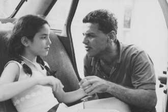 Uri Klauzner in Mashe'hoo ba'al erech (1977)