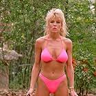 Dona Speir in Do or Die (1991)